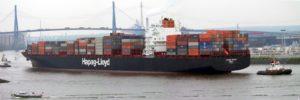 Big ship, big inertia By Wmeinhart - Foto wurde mit einem Panoramaprogramm aus drei Fotos zusammengesetzt, CC BY-SA 3.0, https://commons.wikimedia.org/w/index.php?curid=124261