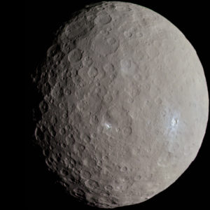 Ceres By Justin Cowart - Ceres - RC3 - Haulani Crater, CC BY 2.0, https://commons.wikimedia.org/w/index.php?curid=49700320